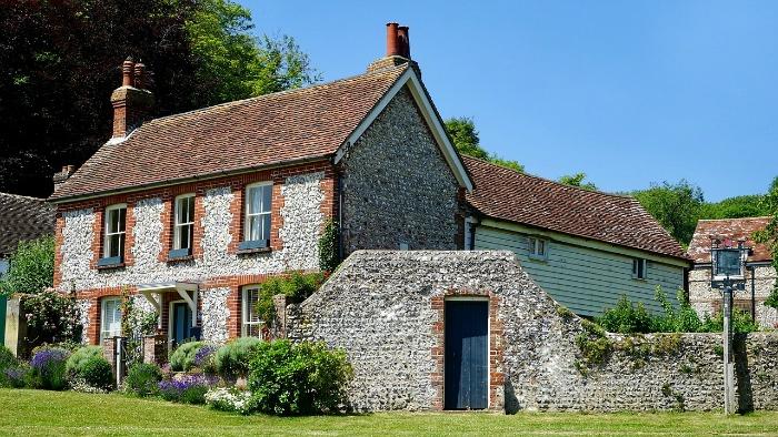 Investir dans l'immobilier ancien : avantages et conditions